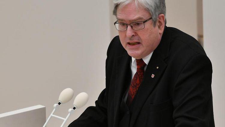 Wirtschaftsminister Jörg Steinbach. Foto: Bernd Settnik/dpa-Zentralbild/ZB/Archivbild