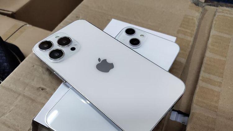 iPhone 13 Dummie.jpg