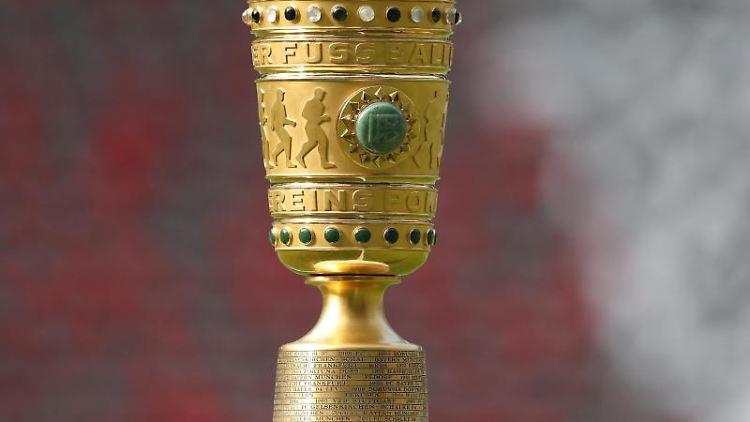 Der DFB-Pokal. Foto: Jan Woitas/zb/dpa/Archivbild