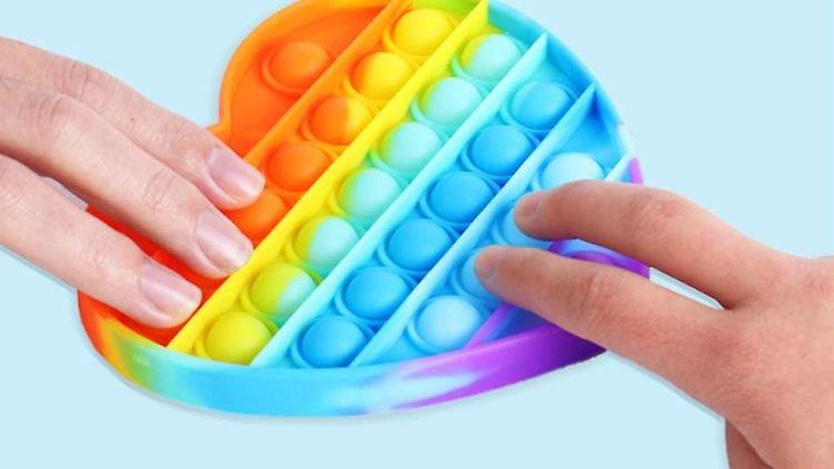 Pop-it-Fidgets sind das Trendspielzeug des Sommers 2021.