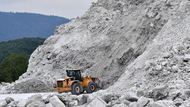 In einem Tagebau bei Ellrich wird Gips abgebaut. Foto: Martin Schutt/dpa-Zentralbild/dpa/Archivbild