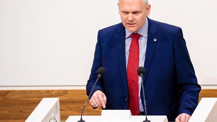 Björn Thümler (CDU), Minister für Wissenschaft und Kultur in Niedersachsen, spricht. Foto: Moritz Frankenberg/dpa/Archivbild