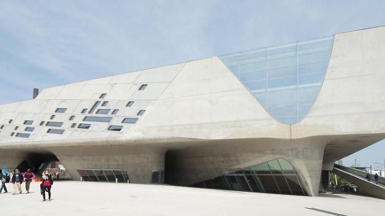 Außenansicht des Experimentiermuseums Phaeno in Wolfsburg. Foto: picture alliance / dpa/Archivbild