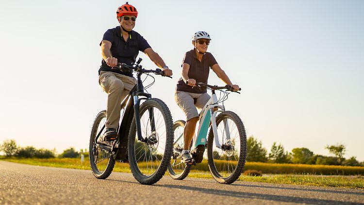 E-Bikes sind momentan sehr gefragt. E-Bike-Schnäppchen sind aber durchaus möglich.