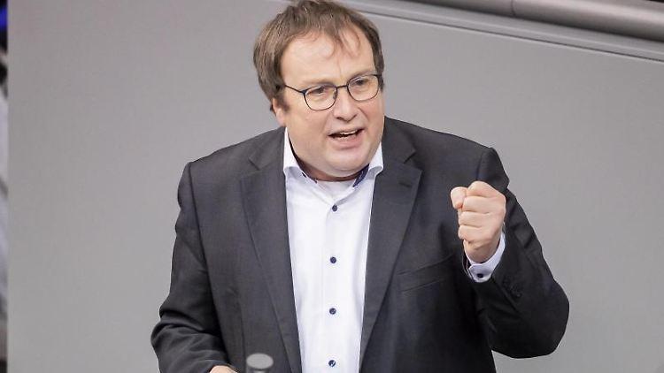 Oliver Krischer, Bundestagsfraktionsvize der Grünen, spricht im Bundestag. Foto: Christoph Soeder/dpa/Archivbild