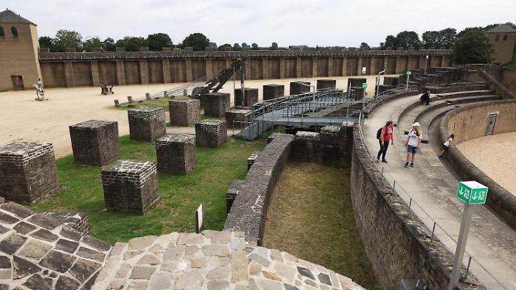 Das Amphitheater im Archäologischen Park in Xanten ist Teil der Weltkulturerbe-Bewerbung. Foto: Oliver Berg/dpa
