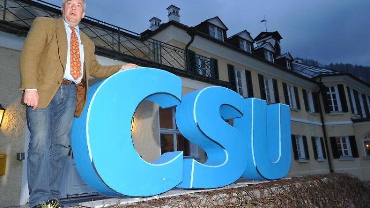 Das CSU-Logo. Foto: Peter Kneffel/picture alliance/dpa/Symbolbild