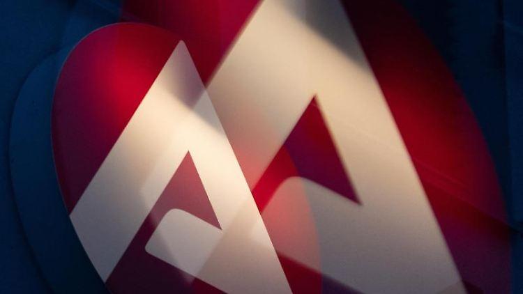 Das Logo der Bundesagentur für Arbeit. Foto: Sebastian Gollnow/dpa/Symbolbild