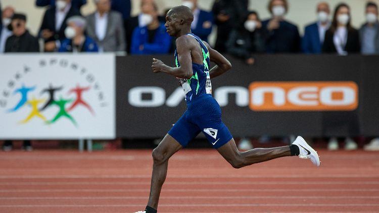 Hofft, dass ihn seine Wunder-Spikes schneller als jeden anderen die 10.000 m laufen lassen: Joshua Cheptegei aus Uganda.