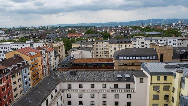Blick auf die Mainzer Neustadt im Nordwesten der Stadt. Foto: Peter Zschunke/dpa-Zentralbild/dpa/Symbolbild