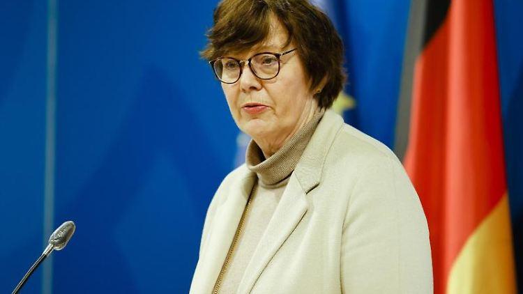 Sabine Sütterlin-Waack (CDU), Ministerin für Inneres von Schleswig-Holstein, spricht. Foto: Frank Molter/dpa