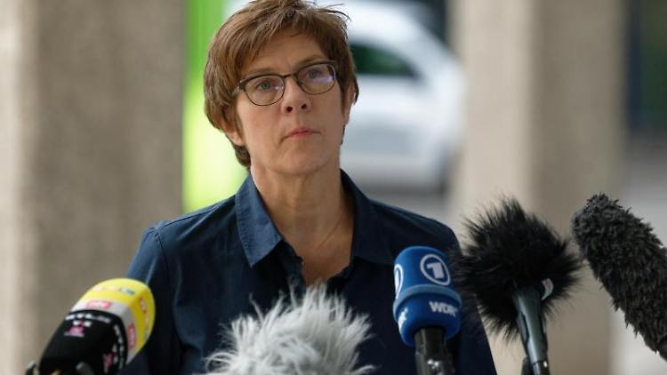 Annegret Kramp-Karrenbauer, Bundesministerin der Verteidigung. Foto: Henning Kaiser/dpa/Archivbild