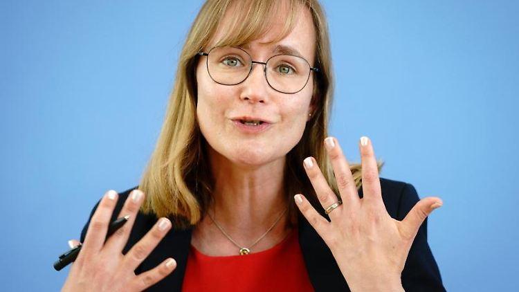Eva von Angern, Spitzenkandidatin der Partie die Linke in Sachsen-Anhalt. Foto: Kay Nietfeld/dpa/Archivbild