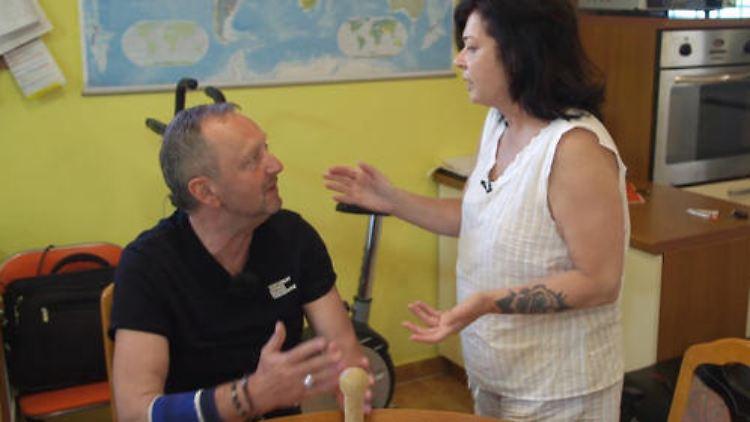 Ivica erklärt Isolde wie man seinen Vornamen richtig ausspricht TVNOW.jpg