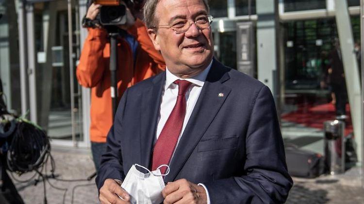 Armin Laschet, Unions-Kanzlerkandidat, CDU-Bundesvorsitzender und Ministerpräsident von Nordrhein-Westfalen, kommt zur Sitzung des Kabinetts von Nordrhein-Westfalen. Foto: Michael Kappeler/dpa