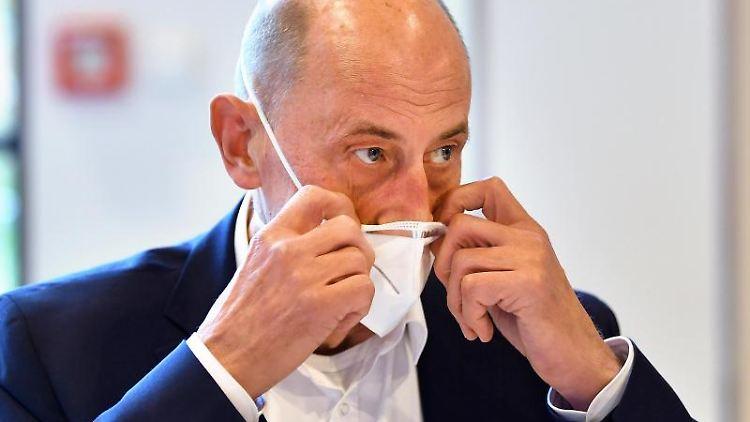 Wolfgang Tiefensee, Wirtschaftsminister von Thüringen. Foto: Martin Schutt/dpa-Zentralbild/dpa/Archiv