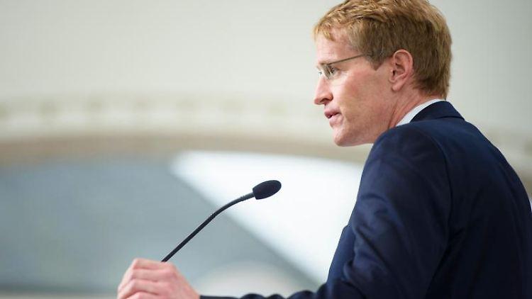 Ministerpräsident Daniel Günther. Foto: Gregor Fischer/dpa/Archivbild