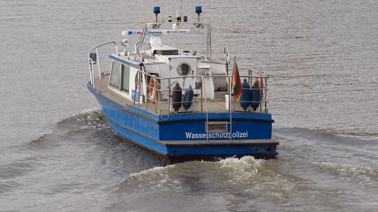 Ein Boot der Wasserschutzpolizei. Foto: Soeren Stache/dpa-Zentralbild/dpa/Symbolbild