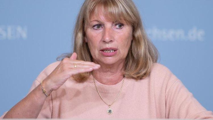 Petra Köpping (SPD) spricht. Foto: Sebastian Kahnert/dpa-Zentralbild/dpa/Archivbild