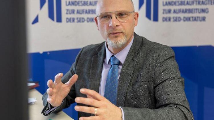 Der Thüringer Landesbeauftragte zur Aufarbeitung der SED-Diktatur, Peter Wurschi. Foto: Michael Reichel/dpa/Archivbild