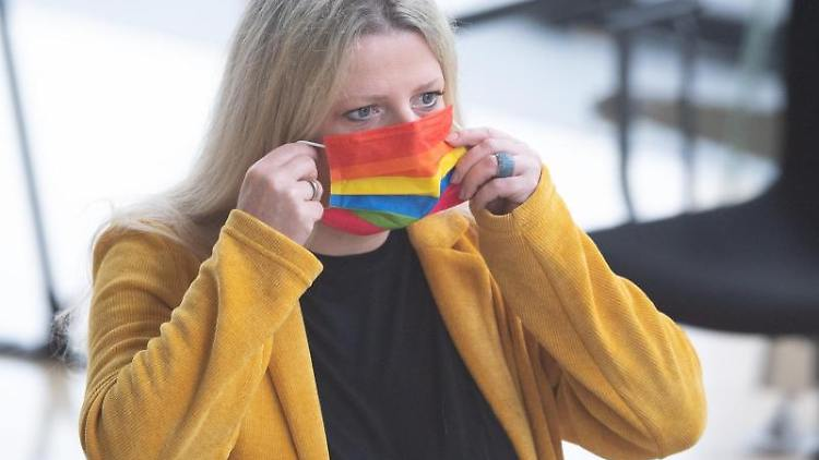 Susanne Schaper (Die Linke)im Landtag. Foto: Sebastian Kahnert/dpa-Zentralbild/dpa