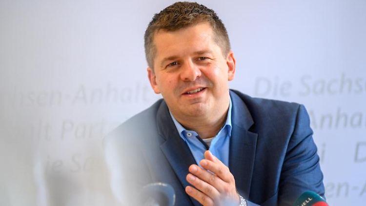 Sven Schulze, Landesvorsitzender der CDU Sachsen-Anhalt, spricht. Foto: Klaus-Dietmar Gabbert/dpa-Zenralbild/dpa