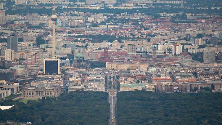 Blick über Berlin. Foto: Christophe Gateau/dpa/Archivbild