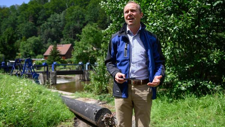 Wolfram Günther (Bündnis90/Die Grünen), Umweltminister von Sachsen, spricht. Foto: Robert Michael/dpa-Zentralbild/dpa/Archivbild