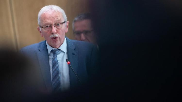 Michael Frisch, Fraktionsvorsitzender der AFD im Landtag von Rheinland-Pfalz, spricht. Foto: Sebastian Gollnow/dpa/Archivbild