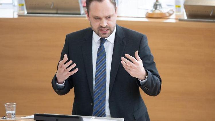 Alexander Dierks, CDU-Generalsekretär in Sachsen, spricht im Plenum des Landtags. Foto: Sebastian Kahnert/dpa-Zentralbild/dpa