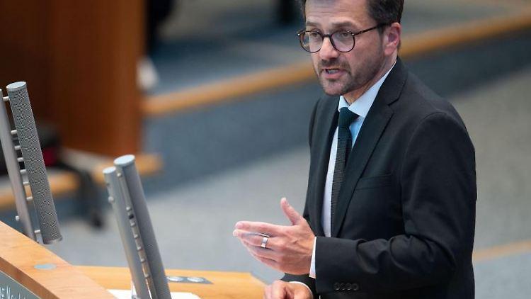 Thomas Kutschaty (SPD) spricht. Foto: Marius Becker/dpa/Archivbild