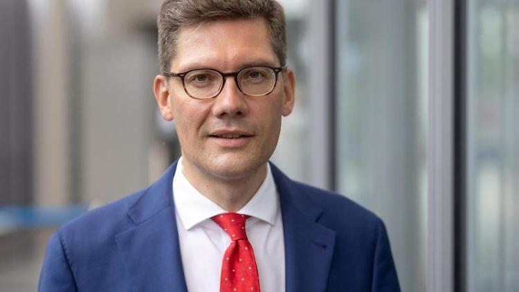 Christian Hirte, Landesvorsitzender der Thüringer CDU, schaut in die Kamera. Foto: Michael Reichel/dpa