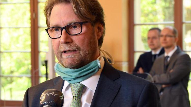 Dirk Adams (Bündnis90/Die Grünen), Justizminister von Thüringen, spricht. Foto: Martin Schutt/dpa-Zentralbild/dpa