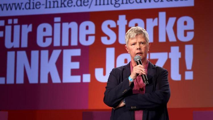 Katina Schubert, stellvertretende Parteivorsitzende von Die Linke, spricht. Foto: Jan Woitas/dpa-Zentralbild/dpa
