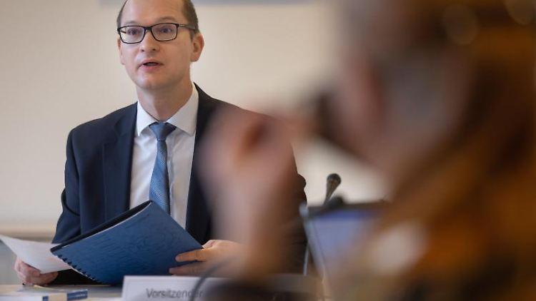 Stefan Möller (AfD) spricht. Foto: Michael Reichel/dpa-Zentralbild/dpa/Archivbild