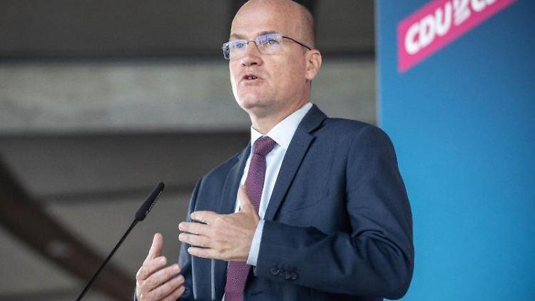 Ralph Brinkhaus (CDU), Vorsitzender der CDU/CSU-Bundestagsfraktion, spricht. Foto: Michael Kappeler/dpa