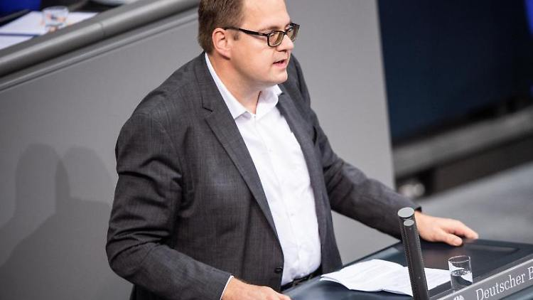 Sören Pellmann (Die Linke) spricht. Foto: Arne Immanuel Bänsch/dpa/Archivbild