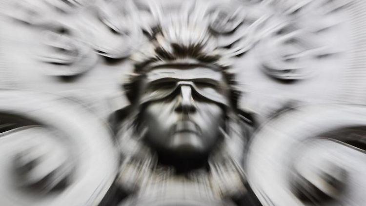 Eine Figur der blinden Justitia. Foto: Christoph Soeder/dpa/Symbolbild