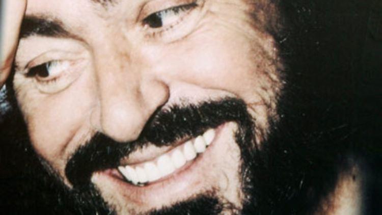 Luciano Pavarotti - dieser Name war, ist und bleibt ein Synonym für unvergessliche musikalische Momente des 20. Jahrhunderts.