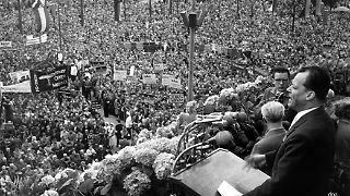 Denn an Brandts Meisterstück, dem Friedensnobelpreis, würden sie alle scheitern.