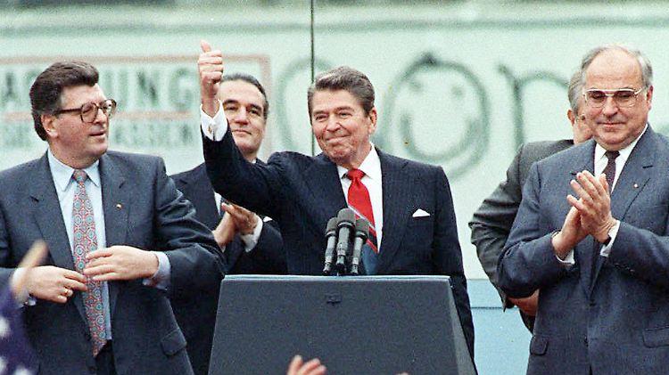Michail Gorbatschow Und Ronald Reagan: Christoph Waltz