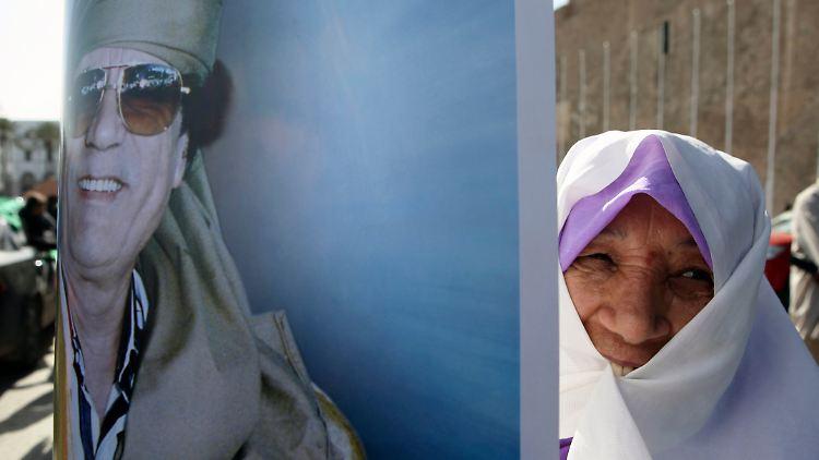 Libya_Gadhafi_Protest_AMR106.jpg197945689422904955.jpg