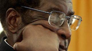 Für kurze Zeit sah es so aus, als würde Simbabwes greiser Herrscher, Robert Mugabe, das Handtuch werfen.