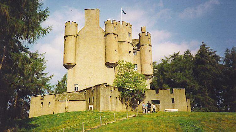 Braemar_Castle.jpg