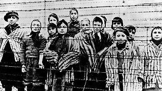Als die alliierten Truppen im Januar 1945 das Konzentrationslager Auschwitz-Birkenau befreiten, fanden sie das Vernichtungslager in Auflösung vor.