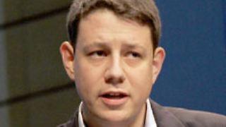 Philipp Mißfelder ist Bundesvorsitzender der Jungen Union. Im Deutschen Bundestag gehört er dem Ausschuss für Wirtschaft und Technologie an.