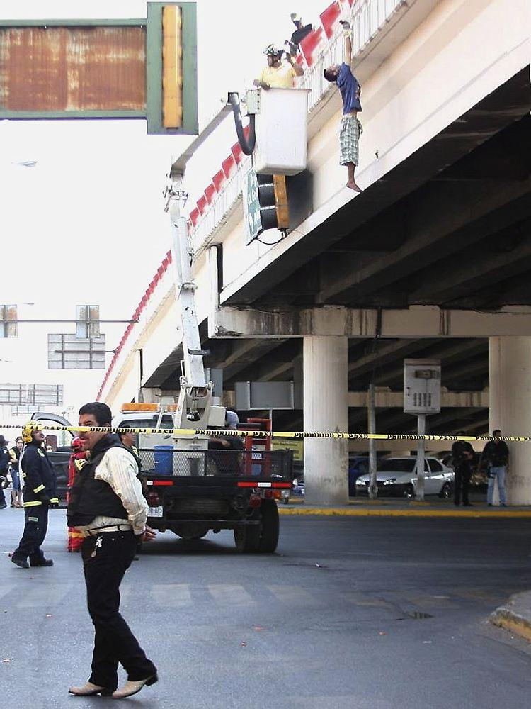 Mexiko Kartell Brücke.Drogenkrieg In Mexiko Abgetrennter Kopf Als Warnung N Tv De