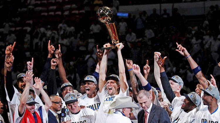 2011-06-13T030713Z_01_MIA138_RTRMDNP_3_NBA-FINALS.JPG7395909705962130865.jpg