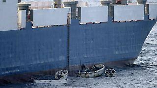 Immer wieder werden im Golf von Aden und vor der Ostküste Somalias Schiffe von Piraten angegriffen.