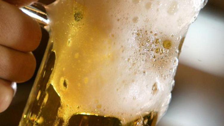 Frisch gezapft - der Verzicht auf Alkohol fällt vielen Deutschen nicht schwer. (Bild: ZB-Funkregio Ost)